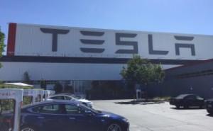 自動車業界のパラダイムシフト:見えてきた、2030年の技術社会 (第1回)