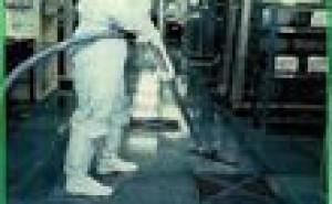 クリーン化:防塵衣の腰紐締めていますか